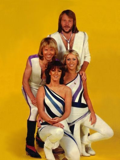 a critique of the musical mama mia directed by phyllida lloyd benny andersson and bjorn ulvaeus
