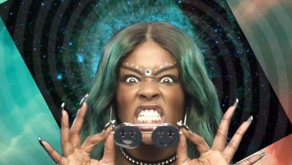 Azealia Banks  La rappeuse intenable dans le clip de Yung